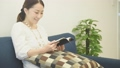 読書をする女性 37452902