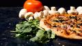 料理 チーズ ピザの動画 37482036