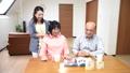 人物 家族 親子の動画 37487160