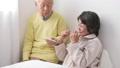 老老介護 シニア 体温計の動画 37507631