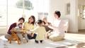 家族 ファミリー 三世代の動画 37544374