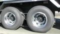大型トラックの後輪 スローモーション 37730745