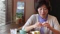 女性 中高年 中年の動画 37734759