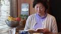女性 中高年 中年の動画 37734815