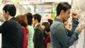 人物 電車 交通機関の動画 37751520