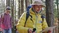 旅行者 ハイキング 山歩きの動画 37990107