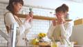 女性 キッチン お菓子作りの動画 38100373