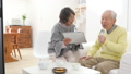 คาราโอเกะ,ผู้สูงอายุ,ไมโครโฟน 38213135