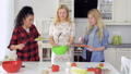 キッチン 台所 料理の動画 38292891