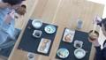 夫婦 カップル 朝食の動画 38641552