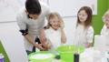 子供 子 実験の動画 38980253
