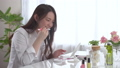 女性 歯磨き デンタルケアの動画 39020902