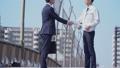 握手 ビジネスマン 挨拶の動画 39039808