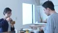 夫婦 カップル 朝食の動画 39057800