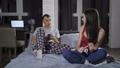 二人 夫婦 妊娠の動画 39250571
