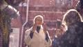 女性 雨 幸せの動画 39314641