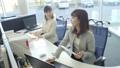 ビジネスウーマン オフィス ビジネス イメージ 39480585
