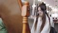 女子 美容師 ヘアカットの動画 39495486