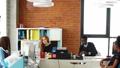 ビジネス オフィス チームワークの動画 39704203