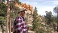 女性 ハイカー ウォーキングの動画 40182281