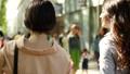 女性 歩く 後ろ姿の動画 40183278