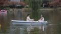 カップル 夫婦 舟の動画 40224506