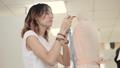 デザイナー ファッション 流行の動画 40329144