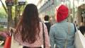 女性 友達 歩くの動画 40382546
