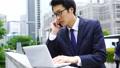 在东京的一个繁忙的商人的英语/英语形象户外聚会 40505112