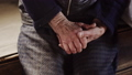 両手 おばあちゃん 年寄りの動画 40515184