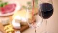 赤ワインを注ぐ 40645141