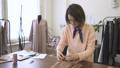 女性 メス デザイナーの動画 40783761