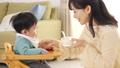 育児 赤ちゃん 親子の動画 41056033