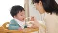 育児 赤ちゃん 親子の動画 41056051