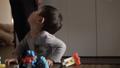 幼児がブロックで遊ぶ 41108714