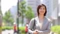 スーツの女性 オフィスレディ 新緑 OL ビジネス スーツ ポートレート リクルート 41133973