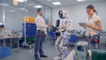 人物 ロボット エンジニアの動画 41168372