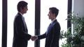 ビジネス ビジネスマン 握手の動画 41511080
