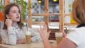 女性 女性達 対話の動画 41810185