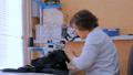 ソーイング 裁縫 女性の動画 42133694
