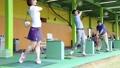 ゴルフ 女性 打ちっぱなしの動画 42244178