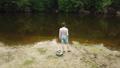 つり 川岸 釣り人の動画 42515912