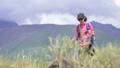 冒険 女性 メスの動画 42718010