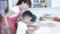 男子 小学生 母の動画 42821657