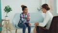 女性 女性達 心理学者の動画 43436414