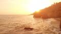 캘리포니아 말리부 황혼의 바다와 아치 록 공중 촬영 영상 43601329