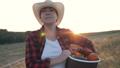 農家 農業 女性の動画 43615117