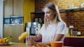breakfast, drink, woman 43850528