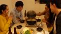 鍋パーティー  鍋を囲んで食事 44273930