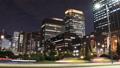 東京トワイライト 丸の内オフィス街 流れるヘッドライト タイムラプス パン 44393382